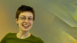 Marika, medarbeider hos Arctic glasstudio
